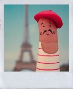 fun,eiffel,tower,finger,paris,baret,bonjour-e63e255060a9ed6cd6a9d59e974c9bed_h_large