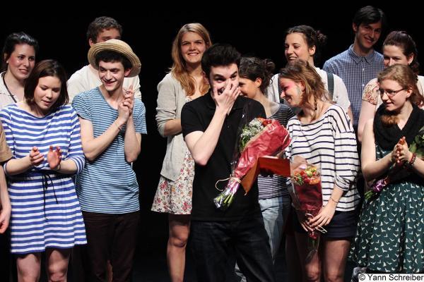 Robin Ormond, metteur en scène, à la fin de Tourista, au Théâtre de la Manufacture.