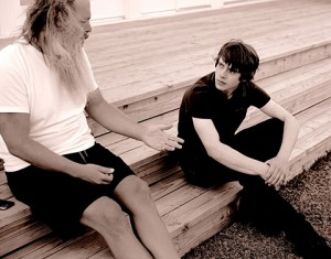 Rick Rubin et Jake Bugg. Source : Zumic