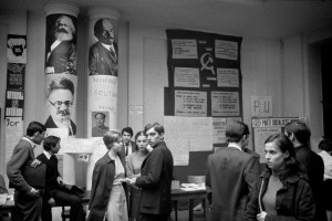 Sciences Po en mai 68.  © Bruno Barbey