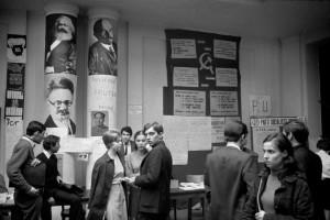 Sciences Po en mai 68.  © Bruno Barbey
