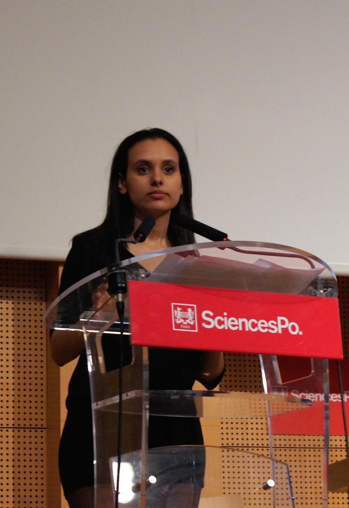 Fatima El-Ouasi, présidente de Politiqu'elles pendant son discours de présentation: «Nous reproduisons les mêmes erreurs que nos aînés».