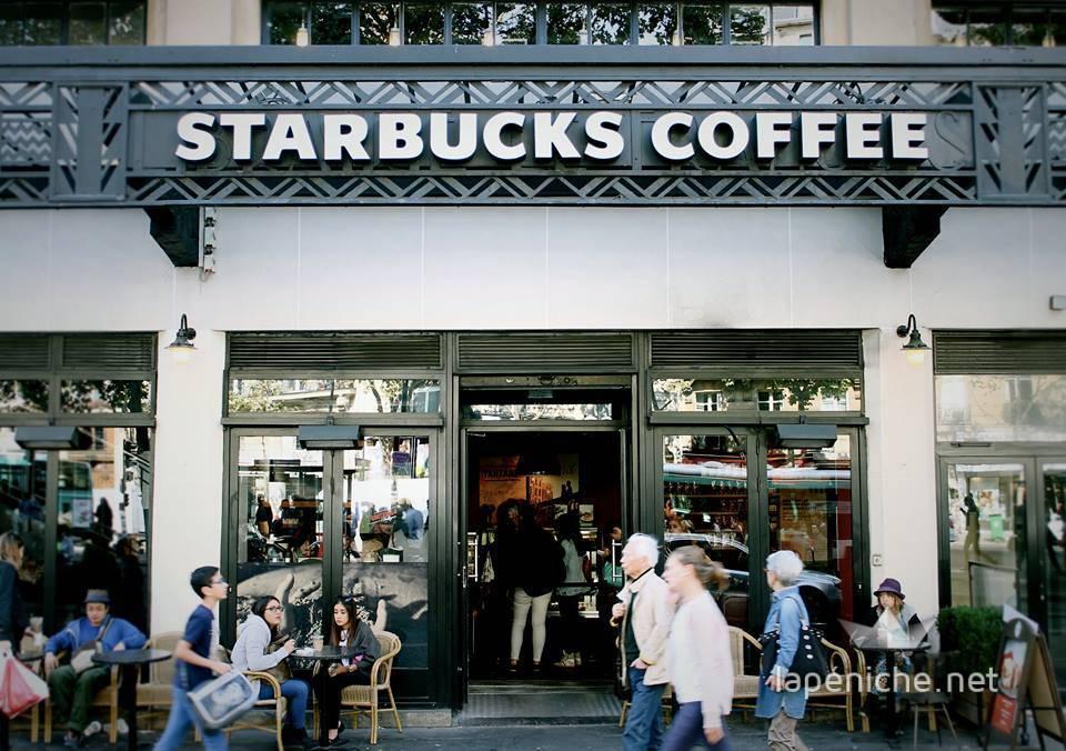 Le Starbucks Odéon. Photographie : Amal Ibraymi