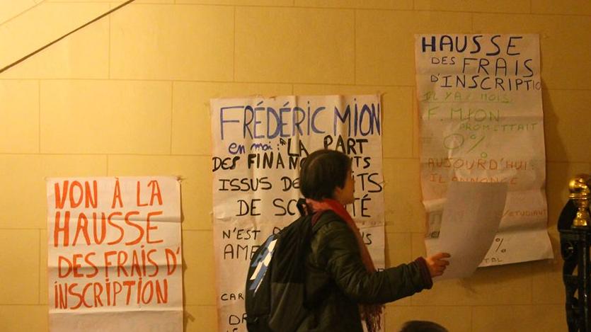 Militant de l'UNEF lors de la mobilisation contre la hausse des frais de scolarité en 2013-2014.
