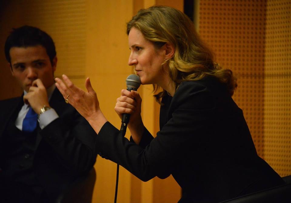 Nathalie Kosciusko-Morizet et Nicolas Thomas, l'ancien président de l'UMP SciencesPo, dans l'amphi Boutmy en novembre 2013. Credits : Pascal Legrand