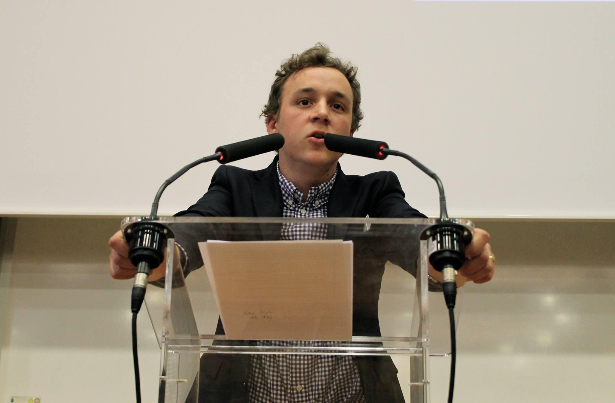 Photographie : Amal Ibraymi pour Sciences Polémiques, demi-finale.