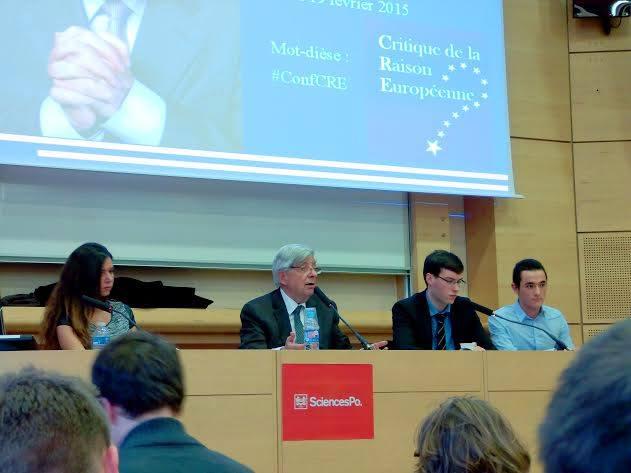 Jean-Pierre Chevènement à Sciences Po lors de la conférence organisée par CRE.